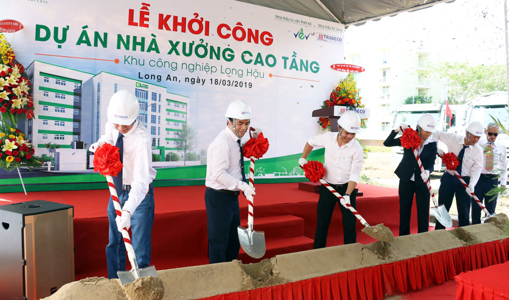 Delegates participated in the groundbreaking ceremony