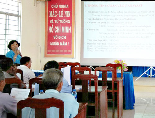 Communication workshop on VnSAT project in Tan Thanh district. (Photo: Project Management Board of Long An VnSAT)
