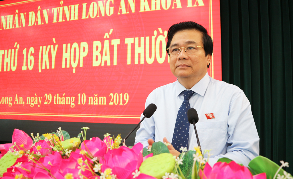 Secretary of the Provincial Party Committee, Chairman of the Provincial People's Council - Pham Van Ranh delivers the opening speech