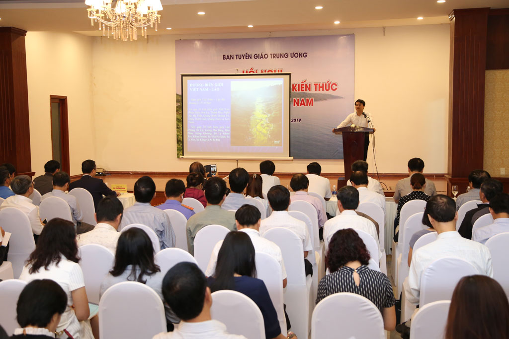 Knowledge on Vietnam's sea and islands for journalistic forces trained and fostered