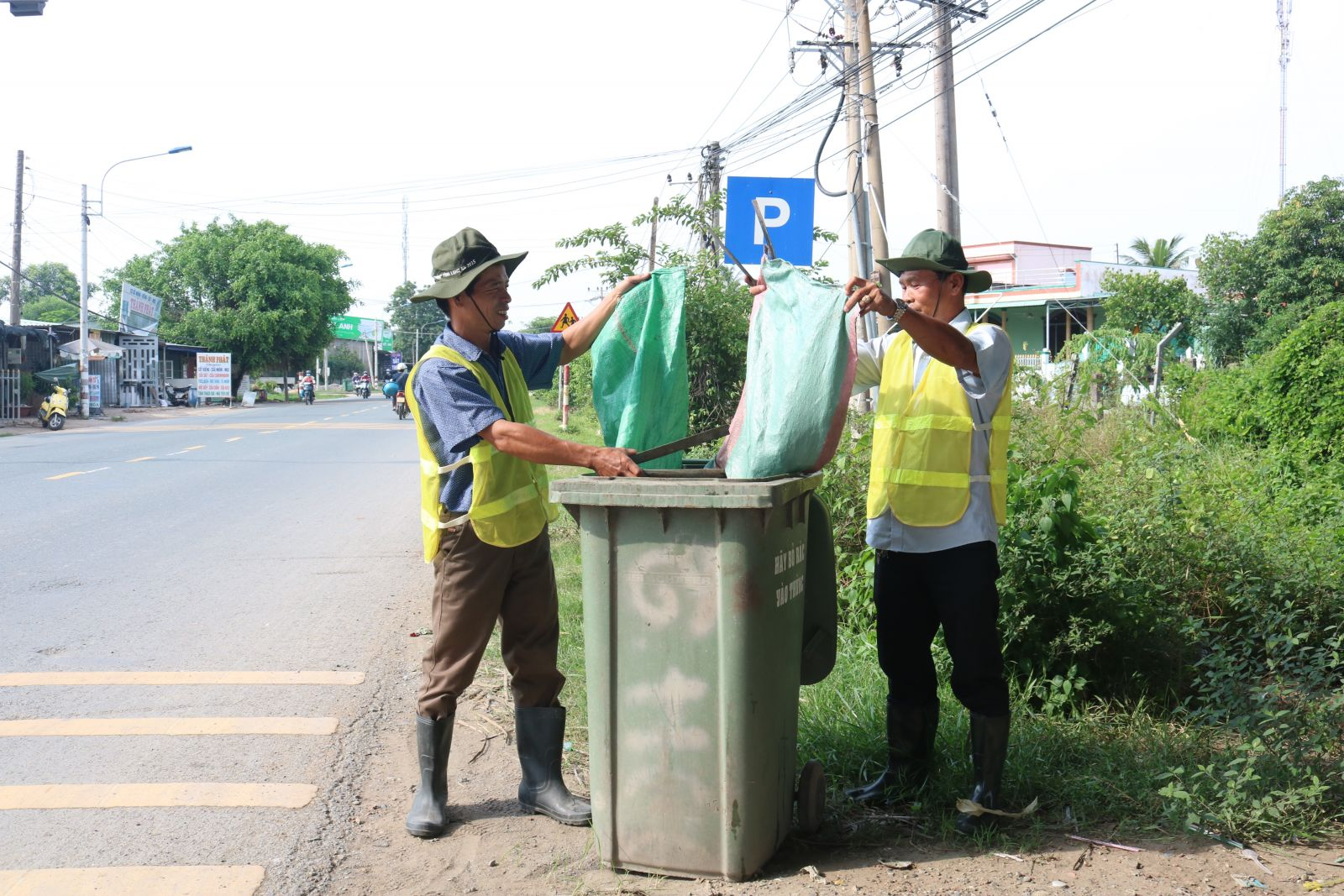 In the near future, Long An Provincial People's Committee will hold a ceremony to launch the movement for environmental protection, anti-plastic waste, waste collection and treatment (Illustrated photo)