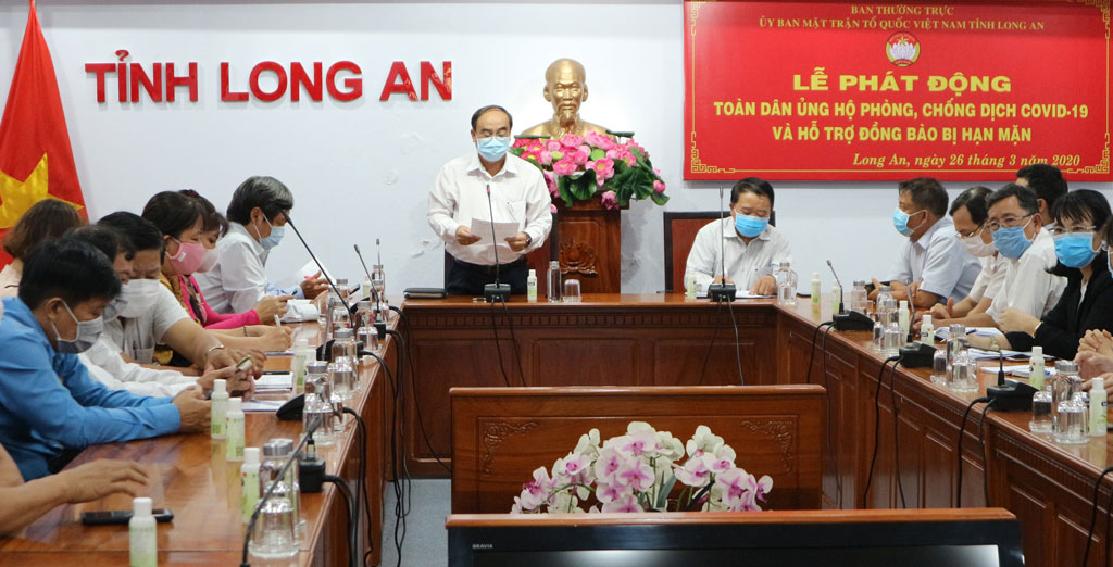 Chairman of the VFFC of Long An Province - Truong Van No read the appeal